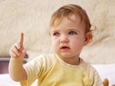 ABC der Zwergensprache | Babys wollen verstanden werden und Eltern wollen ihr Kind verstehen. Zeichensprache kann helfen, die Sprachlosigkeit zwischen Babys ab sechs Monaten und Eltern zu überwinden. Wie die einfachen Zeichen funktionieren, sehen Sie hier.