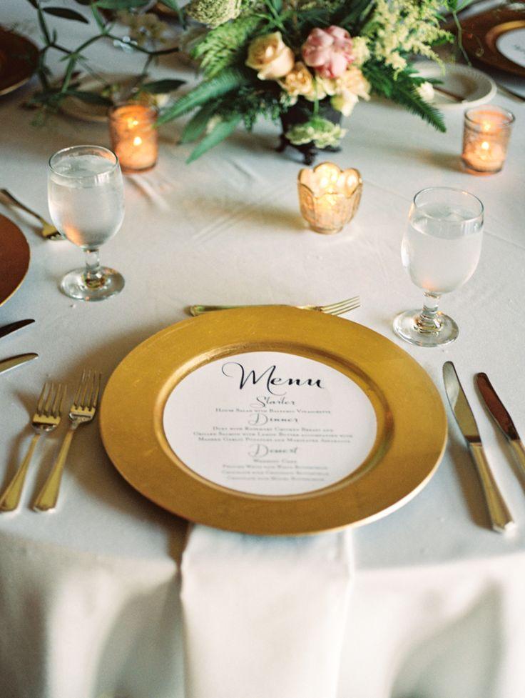 メニュー表の色を抑えて派手なお皿を引き立たせる☆ モノトーンのメニュー表まとめ。シンプルな結婚式のメニュー表一覧。