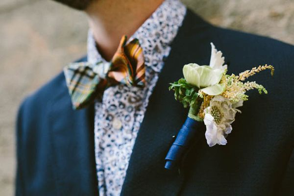 Mixing and matching colors and patterns looks SO good on your groom! Love this floral shirt + gingham combination | http://www.weddingpartyapp.com/blog/2014/09/30/fall-groom-and-groomsmen-style-ideas/
