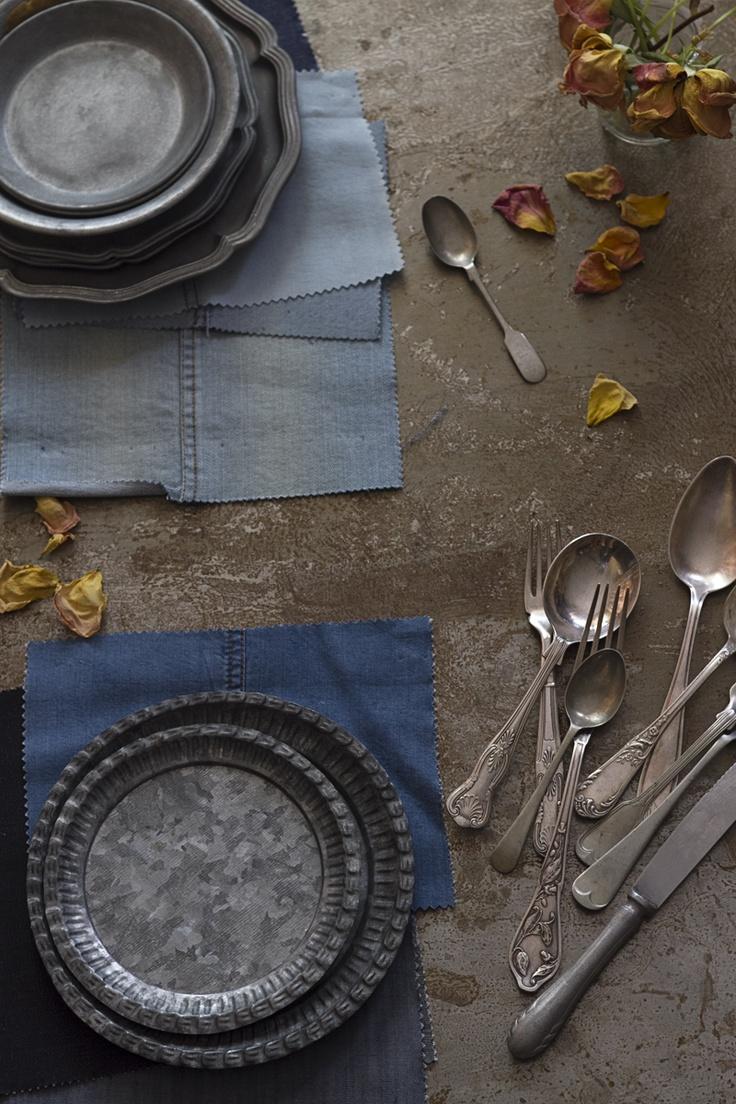 platitos de metal galvanizado de Cosas con Encanto. Textures  Raquel Carmona