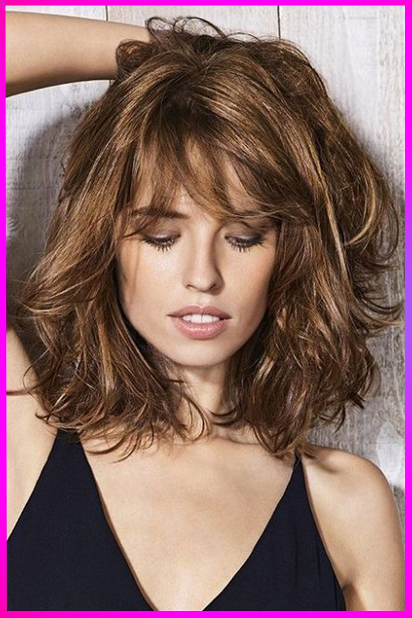 The Best Short Layered Wavy Hairstyles For Womens With Long Face In 2020 In 2020 Medium Hair Styles Long Bob Hairstyles Medium Length Hair Styles