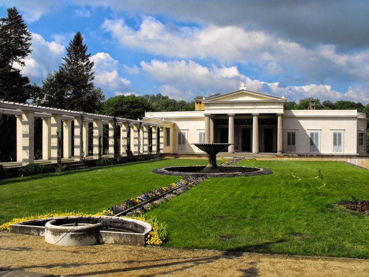 1826 9 classical charlottenhof palace potsdam arch karl for Designhotel potsdam