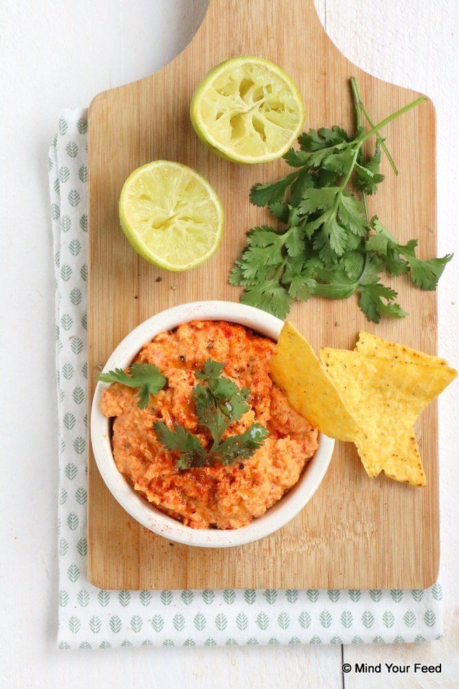 Pittige paprika hummus - Mind Your Feed