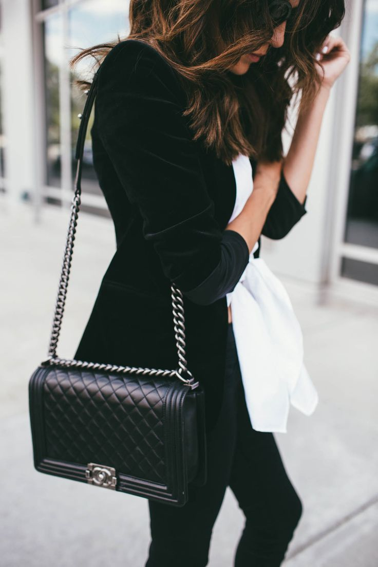 Black Chanel bag. One day it will be mine!