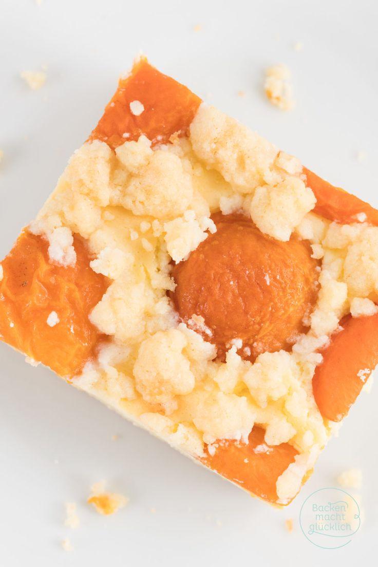 Lust auf einen wunderbar saftigen, fruchtigen Sommerkuchen vom Blech? Dieser Aprikosenkuchen mit Streuseln und Quark ist supercremig, mürbe und knusprig zugleich. Der Aprikosenkuchen schmeckt mit frischen Früchten und solchen aus der Dose.