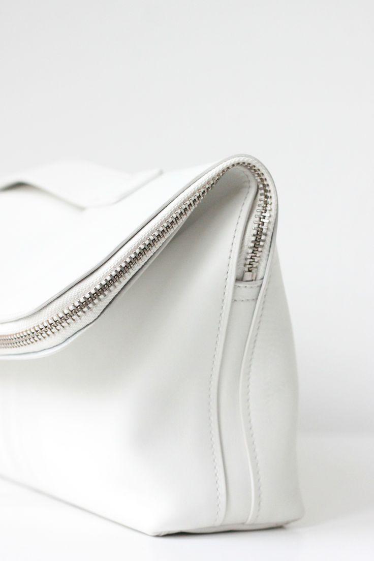 White minimal modern bag #Colgate #OpticWhite #WeddingMonth http://bit.ly/1lc9DHM