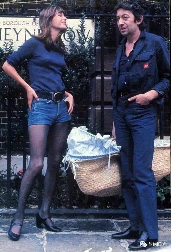 "[""JANE Birkin & SERGE Gainsbourg""] - #Brexit #τζην ""#Coupe au carré"" #coiffure #Denim ""#Lizzy #Caplan"" ""#Charlotte #Gainsbourg"" ""#Lou #Doillon"" ""#Lucien #Ginsburg"" #Gainsbarre ""#riot #grrrl"" #gotické #gothique #grunge #metalcore #franges #kunst #Τέχνες #Grieks #grzywka #frufru #kapsel ""#Pony's"" #Nicosia #Cyprus #nue #Erasmus #Kypros #goth ""#indie #bangs"" #naakt #Chypre #Ue #Ue27 #Nicosie #Λευκωσία #Κύπρος  #Cypr #Kypr #EU #EU27 #Nikosia #Cipro #Kipras #Zypern #Nikosia #Ciprus #arthouse…"