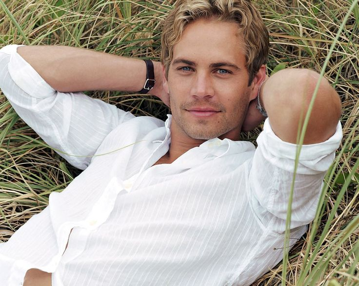 Paul walker - RIP grew up watching your movies. you will be missed :(