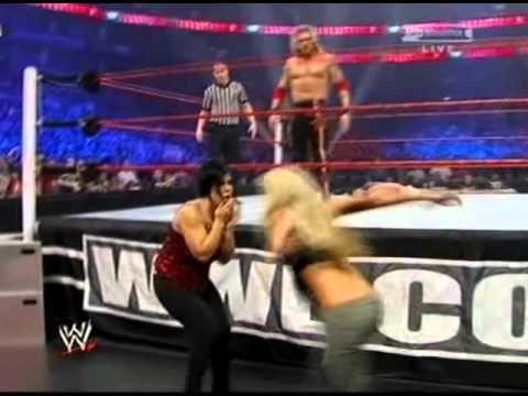 Kelly Kelly Attacks Vickie Guerrero