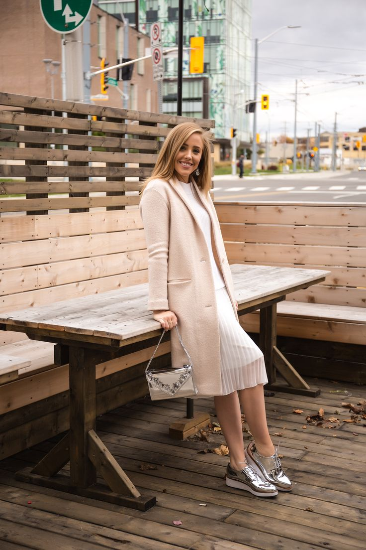 White and nude holiday look!  Fun silver shoes and bag | PersonallyPaige.com  #silvershoes #silver #canadianblogger #style #fashionblogger #nude #monochrome #neutral #style #canadian