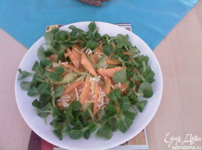 Салат из хурмы с авокадо и дайконом - видеорецепт | Кулинарные рецепты от «Едим дома!»