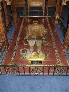 Grave of Robert the Bruce (11 July 1274 – 7 June 1329) at Dunfermline Abbey.  Dunfermline Abbey website: http://www.dunfermlineabbey.co.uk
