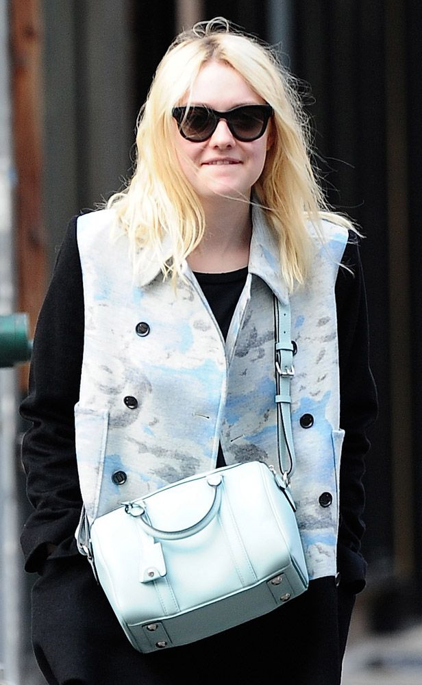 The Many Bags of Dakota and Elle Fanning