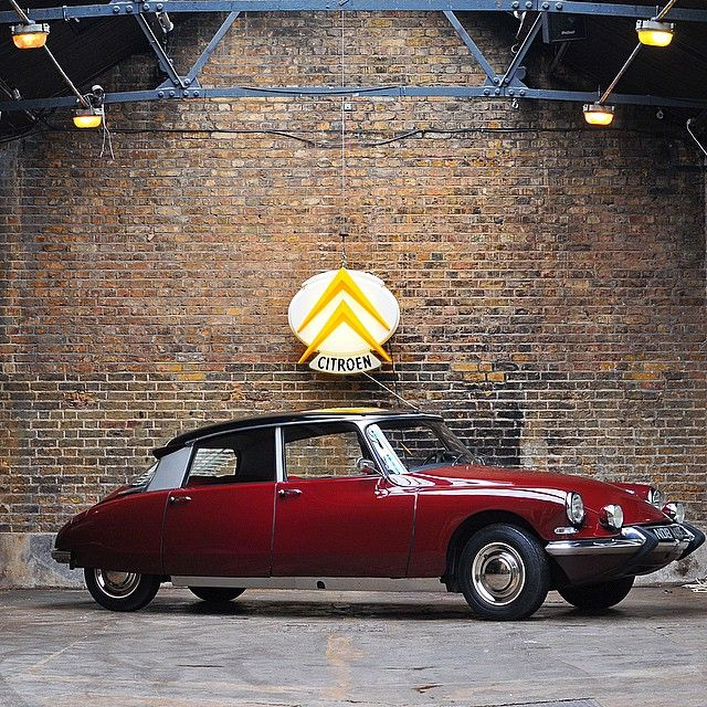 Citroen DS  In  Red ! ! ! ! waooow