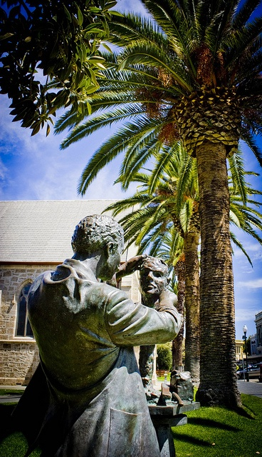 "Fremantle Western Australia by davekinsella@ymail.com, via Flickr The statues mentioned in ""The Con"" by Gael McCarte http://www.amazon.com/Gael-McCarte/dp/1935434535/ref=sr_1_1?s=books=UTF8=1295287982=1-1wedding"