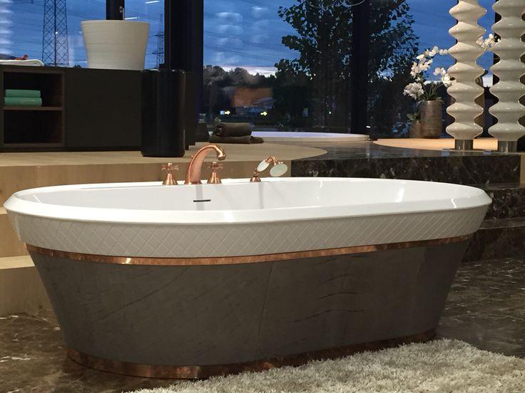 Free vasca con profilo in rame lucido e in pelle baxter for Vernice per vasca da bagno
