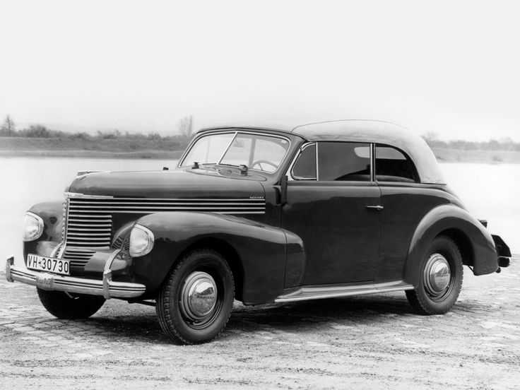 Opel Kapitän Cabriolet 1939. Maintenance/restoration of old/vintage vehicles: the material for new cogs/casters/gears/pads could be cast polyamide which I (Cast polyamide) can produce. My contact: tatjana.alic@windowslive.com