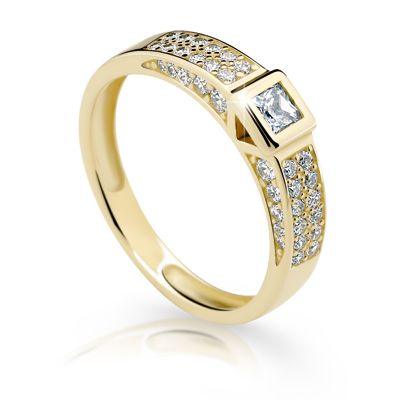 gold engagement ring with a brilliant diamond (fashion design: Danfil Diamonds)