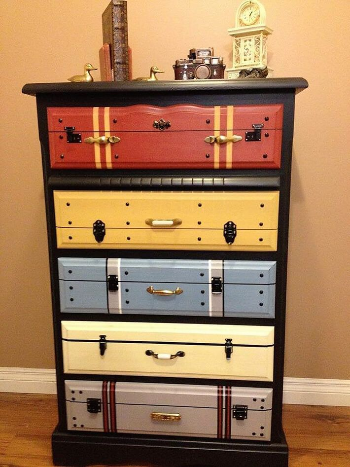 Now this awesome chest of drawers is as grand as you can hardly afford to buy from a designer furniture store. You can re use your old suitcases of different colors to adorn the drawers. It will truly be amazing and stylish. You just need a few planks of wood to build this grand vintage chest.