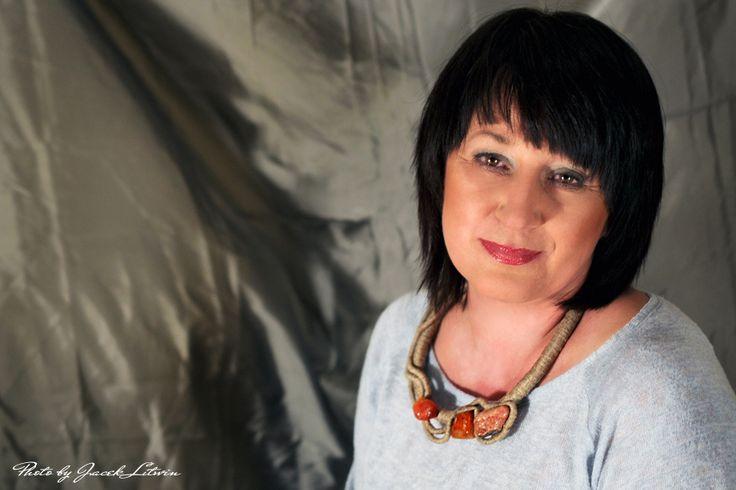 POMARAŃCZOWY WIRAŻ - Modelka: Małgorzata Anulewicz  Make up: Katarzyna Rostkowska Fot. Jacek Litwin