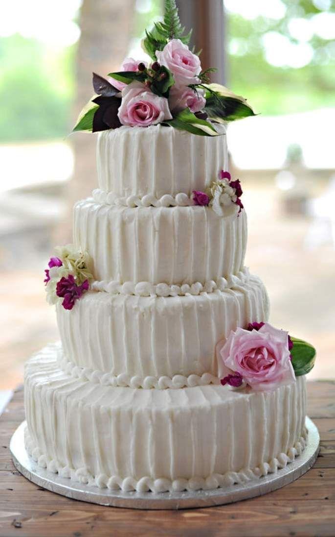 5876a45e2 40 ideas para convertir tu pastel de boda en un elemento decorativo ...