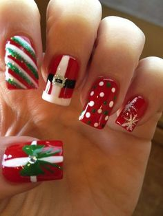 Uñas / Blanco, Rojo, Verde / Navidad / Diseño / Papá Noél / Nails / Original
