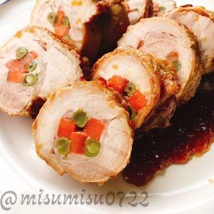 【作り置き】鶏もも肉の人参インゲン巻き by Misuzuさん | レシピブログ - 料理ブログのレシピ満載! お砂糖、味醂なし。  鶏もも肉に人参とさやいんげんを巻いて周りを焼いてから煮込みます。  お弁当、おつまみ、お節料理にも。