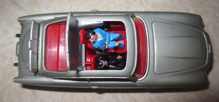 """For Sale by Mystic Sea Hag! Corgi No. 270 James Bond 007 Aston Martin DB5. Vintage Die-Cast Toy Car, Made in Great Britain. Very Cool Collectible! Features; Convertible Top with Ejector Seat (works great) with Original Men and Bullet Screen.  Measures: 5 1/4"""" Inches Long by 2"""" Inches Wide."""
