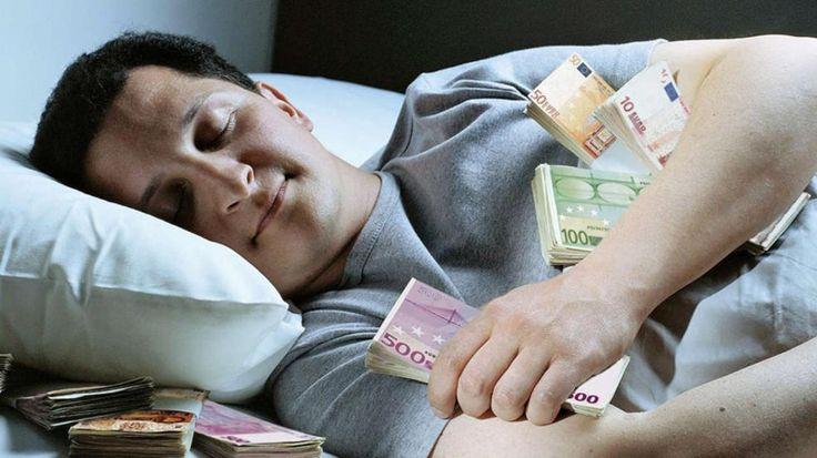Ein Aktienfonds ist die beste Lösung | Aus 200 Euro monatlich können in 30 Jahren 132000 Euro werden - Wirtschaft - Bild.de
