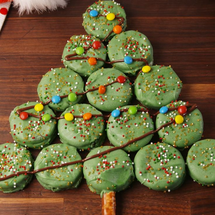The cutest and easiest Christmas treat to serve this year. #food #pastryporn #easyrecipe #recipe #holiday #christmas #inspiration #ideas #forkyeah #kids