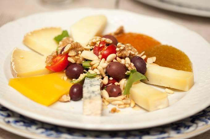 MIX FORMAGGI I migliori formaggi del mondo? Italiani! I migliori formaggi italiani? Nel tuo piatto! #formaggi #italiani #Canova #canovaristorante #canovapiazzadelpopolo