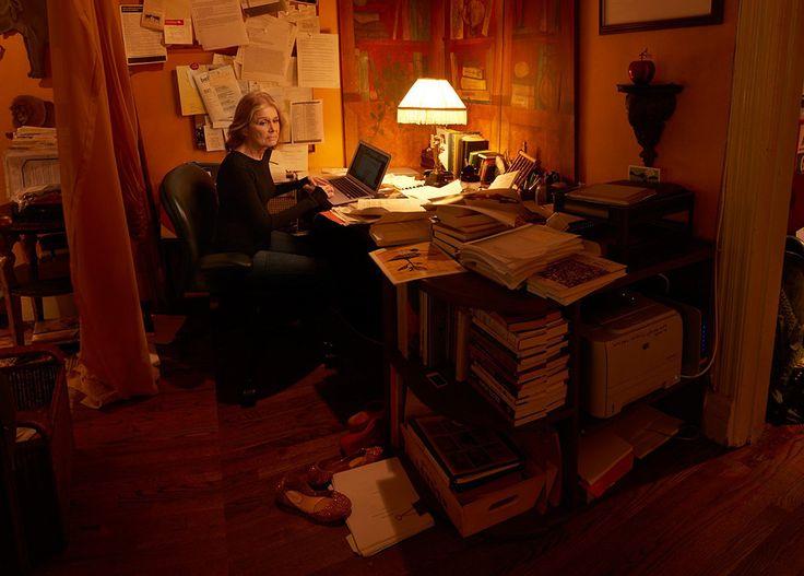 Глория Стейнем, журналист, общественный и политический деятель, активист феминистского движения. Фотограф Энни Лейбовиц