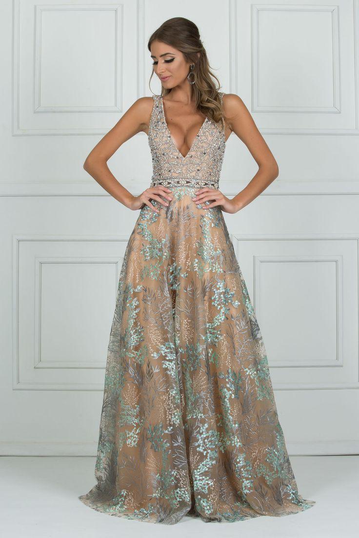 Barcelona é um lindo vestido longo nude floral com saia fluída e top bordado. Sua saia traz estampa floral em tons pasteis tornando o vest… | Formatura de 2019 | Vestido longo, Vestido de festa e Vestido para aniversário