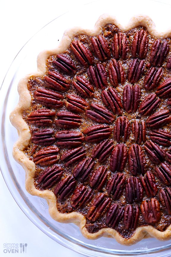 My all-time favorite pecan pie recipe -- perfect for #Thanksgiving! | gimmesomeoven.com