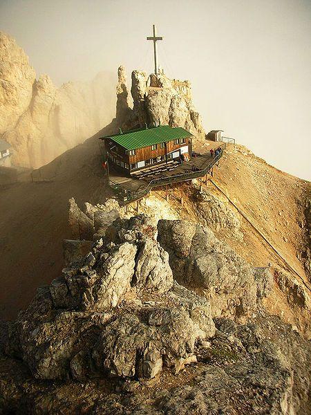 Cortina de Ampezzo (rifugio Lorenzi). IT.-