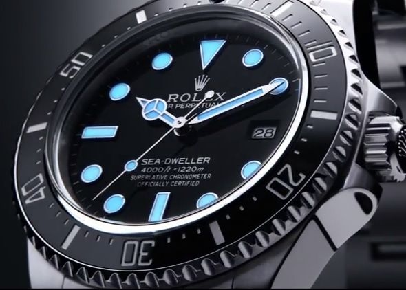 Sea-dweller 4000, Chromalight luminescence http://www.orologi.com/news/oyster-perpetual-sea-dweller-4000-di-rolex