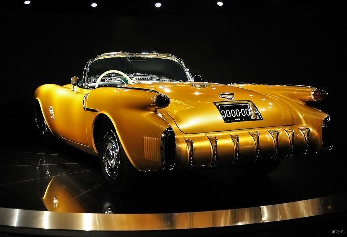 World's rarest car. 1954 Concept Old's Rocket F-88 - the only one in existence.Sports Cars, Oldsmobile F88, Oldsmobile Rocket, Using Cars, 1954 Oldsmobile, Concept Cars, Rarest Cars, 1954 Concept, Rocket F88