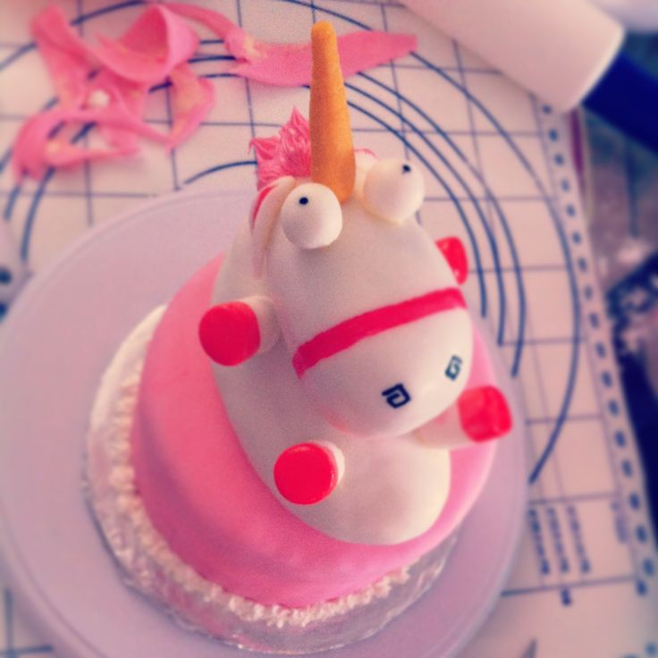 Despicable Me Unicorn Cake Quot He S So Fluffy Quot My