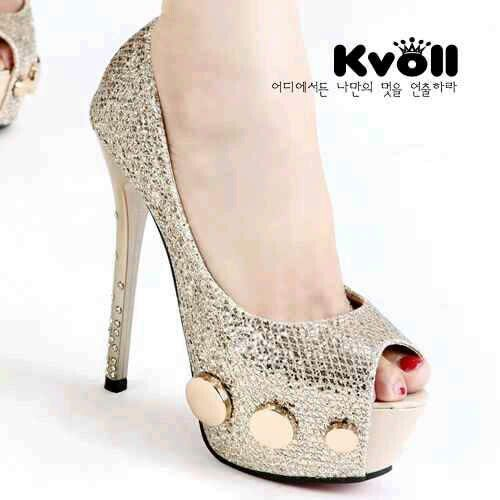 READY STOCK KVOLL HEELS KODE : KV-OCT1003 Gold Size 36 PRICE : Rp.390.000,- AVAILABLE SIZE : 36  FOR ORDER : SMS/Whatsapp 087777111986 PIN BB 766A6420 Facebook : Mayorishop  #mayorishop #kvoll #readystock #original #kvollimport #kvollgrosir #heels #highheels #platformshoes #women #shoes #bogor
