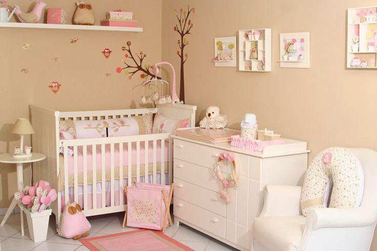 Pouco espaço? Espie algumas ideias para planejar a decoração de um pequeno quarto de bebê.