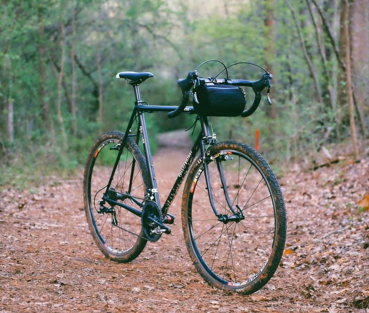 An awesome bike handlebar bag for commutes and trips. The regular Burrito Bag is just about a year old now,...