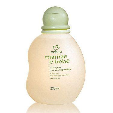 O Shampoo Natura Mamãe e Bebê com óleo de passiflora é elaborado com tensoativos naturais de cupuaçu e milho, limpa o delicado cabelo do bebê com suavidade. O óleo de passiflora, associado aos tensoativos naturais, proporciona mais brilho e maciez aos cabelos.