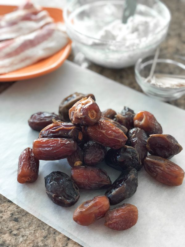 Stuffed Date Ingredients