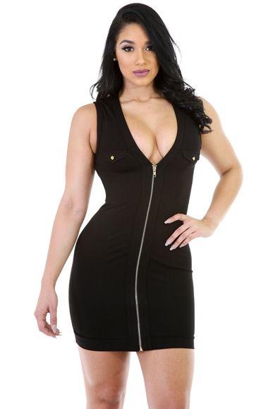 Kolsuz Göğüs Dekolteli Dizaynı ile Dikkat çekici Oldukça Likralı Kumaşı ile Vücudu Saran Oldukça Rahat Şık ve iddialı Esnek Elbise Modelleri