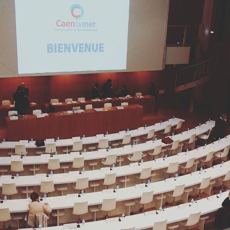 Le Conseil communautaire commence dans quelques minutes vous êtes les bienvenus :) #Caen #Caenlamer by caenlamer