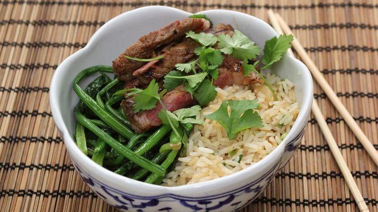 Gemarineerd rundsvlees, Chinese spinazie en gebakken rijst | VTM Koken