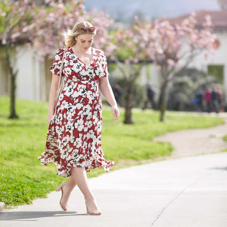 Time to wrap up the weekend (say it ain't so!). See why wrap dresses look great on everybody!