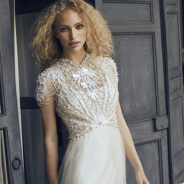 Viernes por la tarde y la agenda a tope para todo el fin de semana!! Os esperamos con la ilusión de encontrar vuestro vestido de novia en Blanco de Novia!