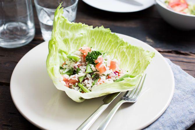 IJsbergcup met rijstsalade en snijbonen