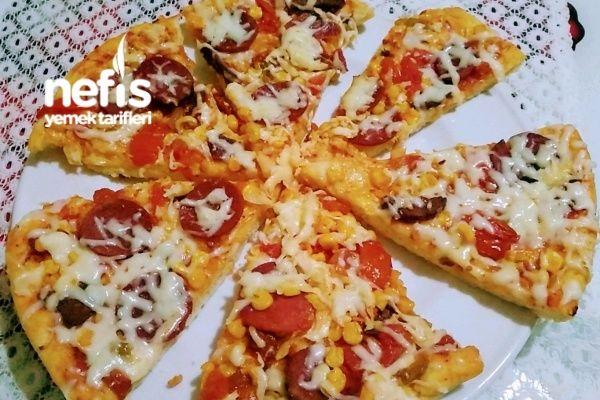 Pizza (Hazır Tadında) Tarifi nasıl yapılır? 422 kişinin defterindeki Pizza (Hazır Tadında) Tarifi'nin resimli anlatımı ve deneyenlerin fotoğrafları burada. Yazar: ⭐ Nuran'ın Mutfağı ⭐